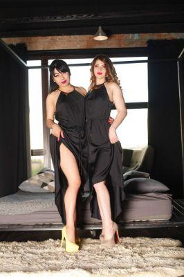 Страпон проститутка Марина и Арина , 28 лет